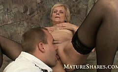 Blonde granny with nice bald cunt