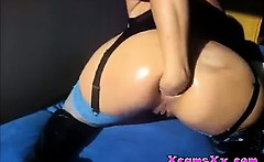 Bitch fists anal on webcam On Xcams