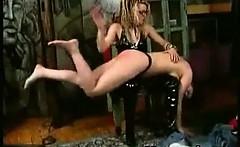 Horny Nasty Spanking Chick Sadomaniac Makeout_1