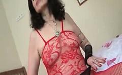 Dirty mature slut gets horny taking