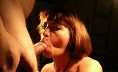 MILF gives amazing head