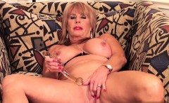Sexy housewife homemade sex