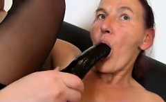 Fuck from MILF-MEET.COM - Granny Linda old hairy pussy sprea