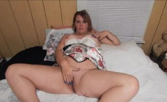 Married Woman Plays With her Pussy