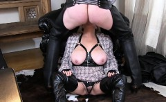 Slut hot Milf gives awesome blow job