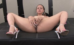 skinny big ass beauty cumming hard on camera