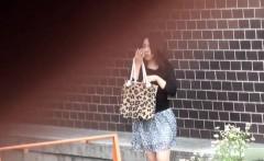 Oriental skank peeing