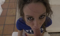 Kinky teen gives wam suck