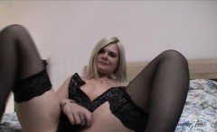 Self-taught sex goddess and her webcam adventure