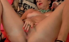 Mature horny stay in bed and fingering