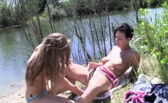 Inexperienced teenagers splash in a lake subsequently fuck