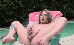 Tattooed Trap Beauty Poolside Solo Jerking