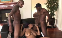 inked and busty carmen delivers a blowjob