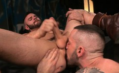 Muscle wolf flip flop and cumshot