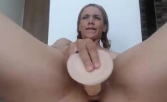 sexy nice ass camgirl using toys on cam
