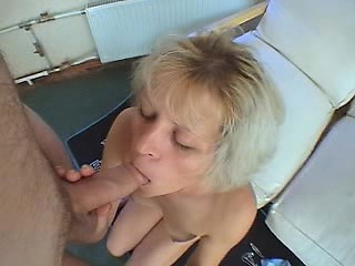 Amateur girlfriend homemade pov blowjob