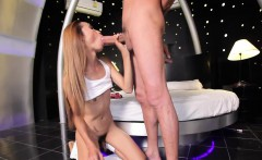 Tranny slut invites her boyfriend to poke her divine butt