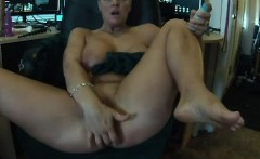 Soccer Mom Phat Pussy - Part 2 on NuttycamCom