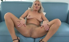 Euro milf Kathy loves the feeling of nylon on her pussy