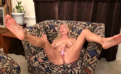 omageil hot old mature lady seductive solo play