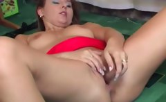 See Rhonda gving a intense solo