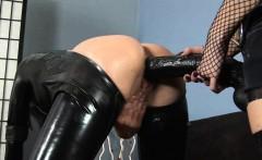 Huge Black Dildo in Latex Girl