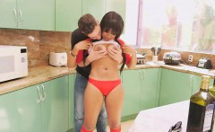 Curvy ass and big tits of black beauty Jenna J Foxx