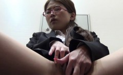 Japanese babe in glasses