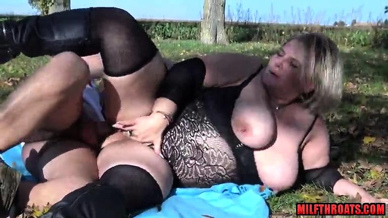 Masturbation Mature Big Tits
