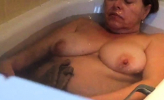 Big stepmom naughty in bath