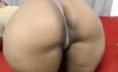 bbw ebony flexing her big ass on cam