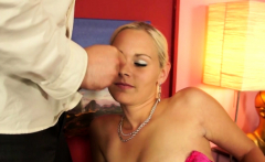 Blonde babe gets her pussy fucked in casting