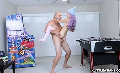 Vinas asian pussy fucked against an arcade machine