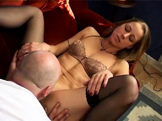 Young girl swallow old cum in a special blowjob