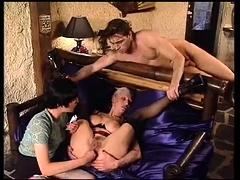 Amateur French Pussy Gaping And Fisting