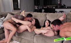 Alex and Kimber perk their pussies out