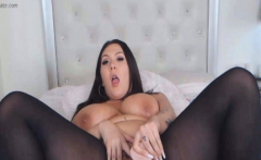 Sexy Babe Finger And Fuck Her Pussy With Dildo