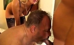 Group in bisexual amateur sex party